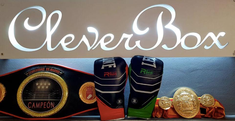 Foto Cinturones y Logo